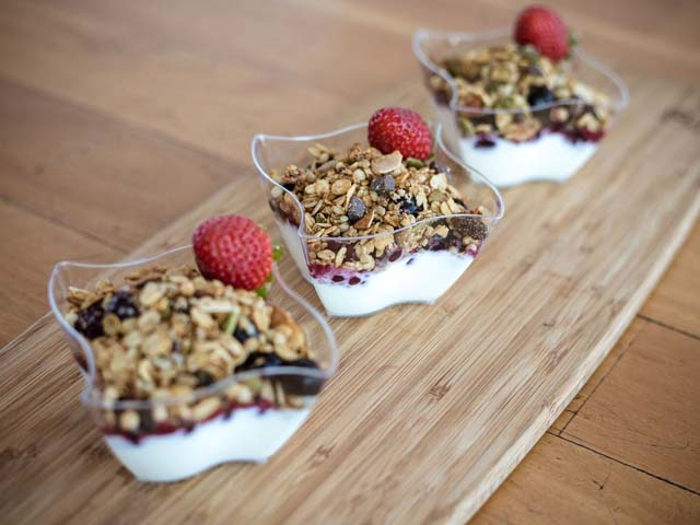 Yogurt And Granola Cups